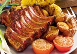 Свиные ребрышки в духовке с картофелем