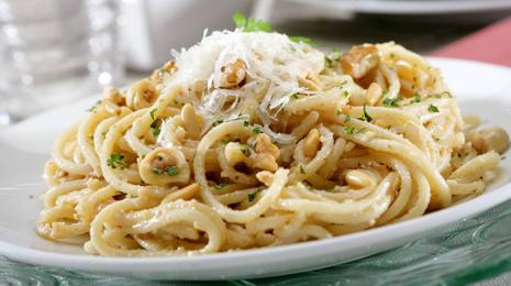 Спагетти с чесноком в микроволновке