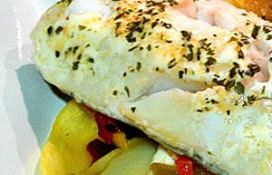 Треска запеченная в духовке с картофелем