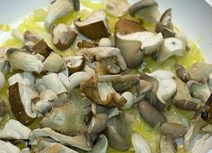Хек фаршированный грибы