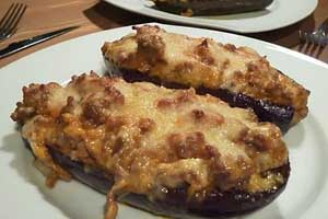 Рецепт фаршированных баклажанов с мясным фаршем в духовке